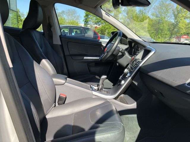 Volvo, XC60, D4 SUMMUM NAVI BI-XENON STANDHEIZ TEMPO KLIMA