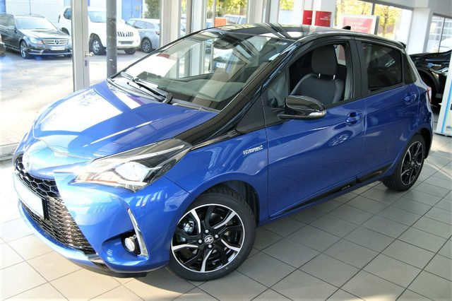 Yaris, Hybrid Style Selection blau/schw. + Plus Paket +++