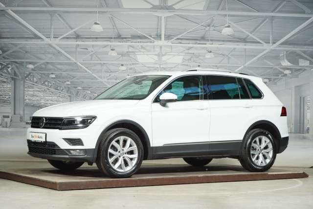Tiguan, 2,0 TDI 4MOTION Highline PANORAMA AHK Navi