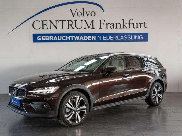 V60 Cross Country, T5 AWD Pro UPE 74.420,- Euro