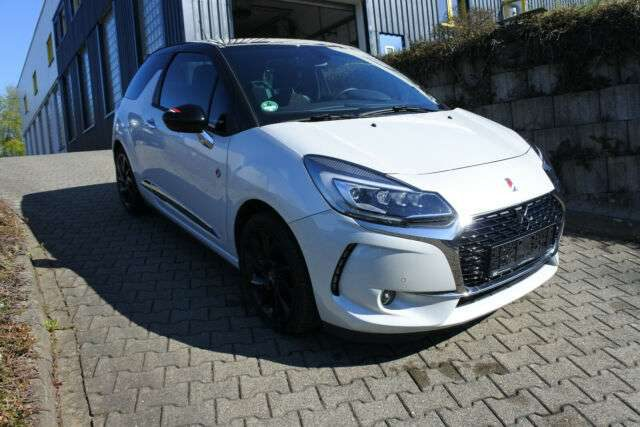 DS 3, *Performance*