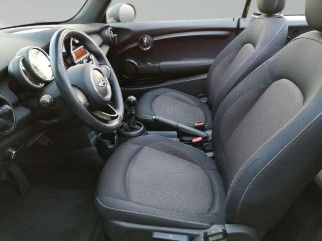 One Cabrio, Klimaaut. PDC Sitzhzg. Vorn NSW