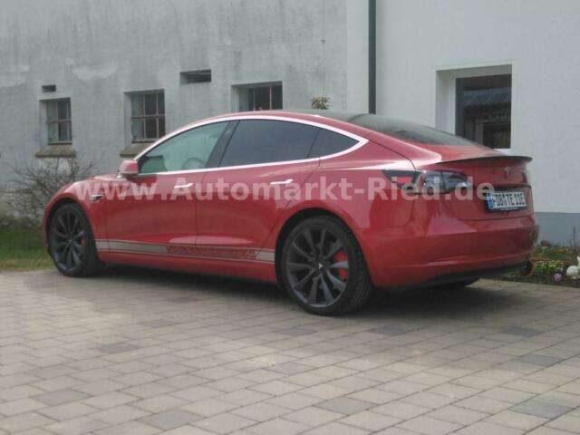 Model 3, Performance -innen weiß! Dunkle Scheiben